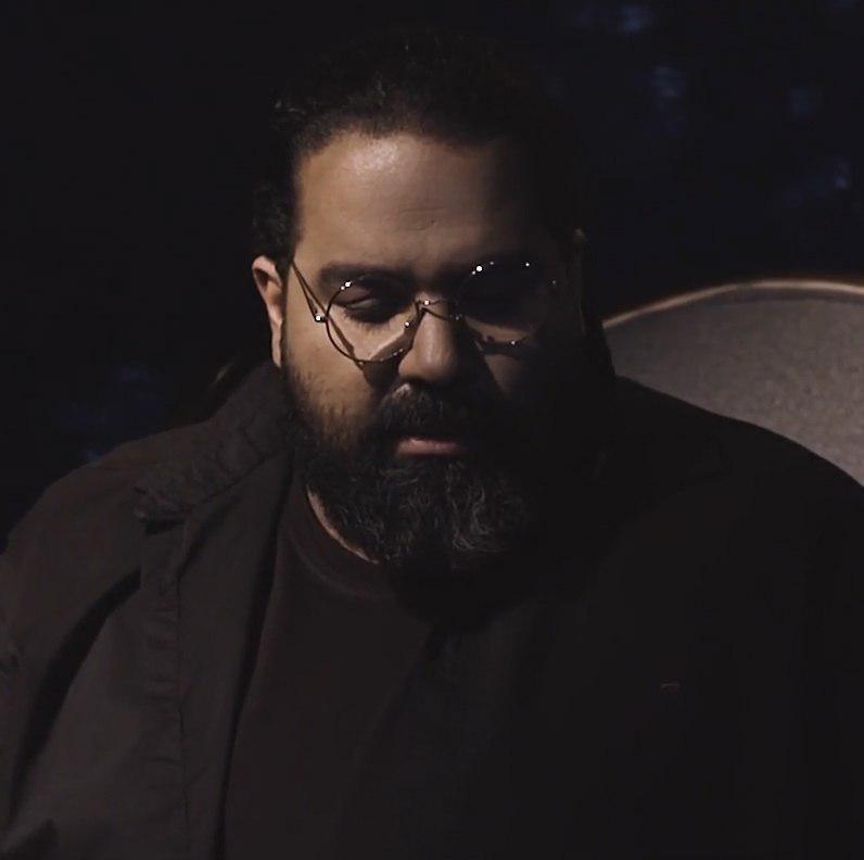 Reza Sadeghi – Hast Ya Nist